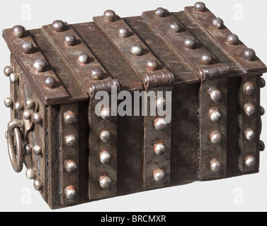A Nuremberg small strongbox, ca. 1540 Rectangular box made of forged iron sheets. Surrounded by massive reinforcement - Stock Photo
