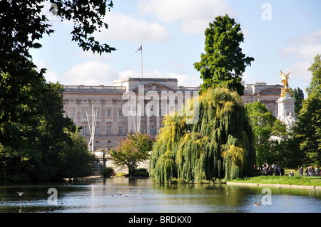 View of Buckingham Palace over lake, St. James's Park, St. James's, City of Westminster, Greater London, England, - Stock Photo