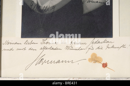 Hermann and Emmy Göring, a dedication photograph to Thomas von Kantzow Half portrait of Hermann Göring in the uniform - Stock Photo