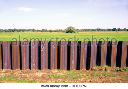 flood protection along river Mulde, Germany - in consequence of flood catastrophe August 2002. - Stock Photo