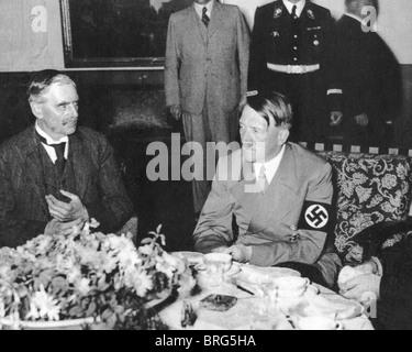 NEVILLE CHAMBERLAIN with Hitler at Berchtesgaden 16 September 1938 - Stock Photo