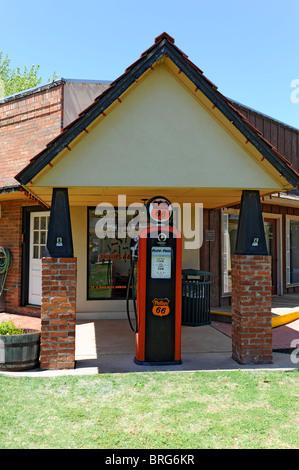 phillips 66 restored gas station garage and store in. Black Bedroom Furniture Sets. Home Design Ideas