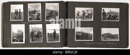 A memento album for a Luftwaffe staff officer of the 3rd Luftflotte, with 133 photos of different sizes, some inscribed - Stock Photo