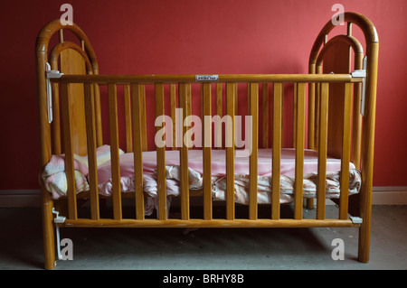 Empty Child S Bedroom Stock Photo 11724720 Alamy