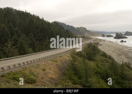 Highway 101 along the Oregon coast in Southern Oregon - Stock Photo