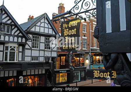 Ye Olde Boot Inn established 1643 in Chester city centre UK - Stock Photo