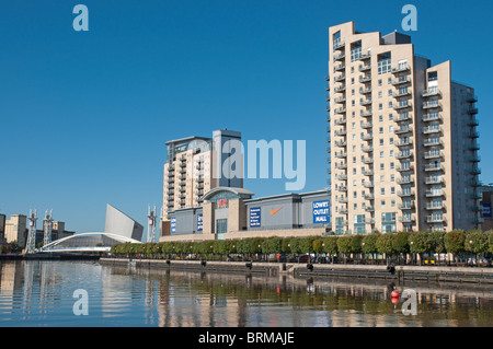 Apartments,Lowry Outlet Mall,Vue cinema at Salford Quays.The regeneration of the former Salford Docks. - Stock Photo