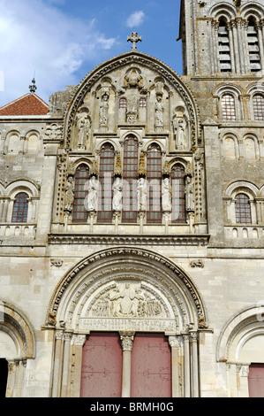 Vezelay,Tympanum of Basilica St Magdelene,Sainte-Marie-Madeleine,UNESCO world Heritage,Way of St James to Santiago - Stock Photo