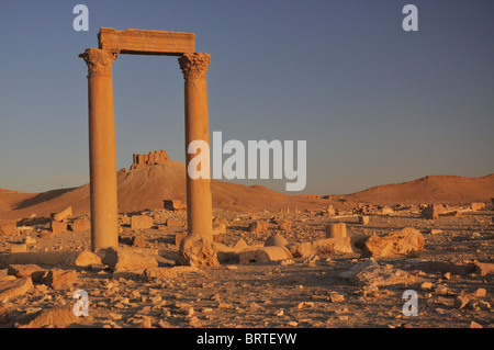 Fakhr-al-Din al-Ma'ani Castle or Palmyra Castle is a castle on a high hill overlooking the site of Palmyra - Stock Photo
