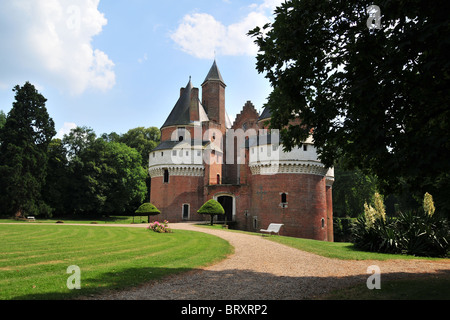 CHATEAU DE RAMBURES, GARDEN, SOMME (80), PICARDY, FRANCE - Stock Photo
