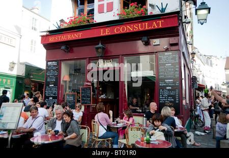 Le consulat restaurant in the montmartre paris france for Le miroir restaurant montmartre