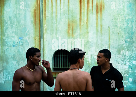 Young Cuban boxers before a training session at Rafael Trejo boxing gym in Havana, Cuba. - Stock Photo