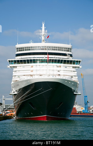 Cunard's brand new Queen Elizabeth liner at Southampton Cruise Terminal before maiden voyage - Stock Photo
