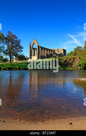 Bolton Priory and River Wharfe, Bolton Abbey, Yorkshire Dales National Park, North Yorkshire, England, UK. - Stock Photo