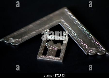 Freemason Masonic Past Master Medal Right Angled Set Square Symbol