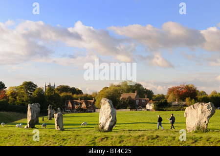 Avebury - Approaching the village - Stock Photo
