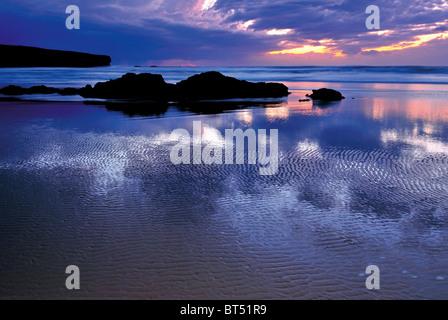 Portugal, Algarve: Sundown at beach Praia da Amoreira