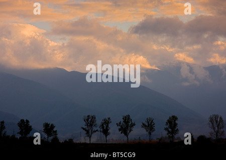 Evening view of the high Fagaras Mountains (southern Carpathians) from the north, around Moldoveanu peak (2544 metres), - Stock Photo