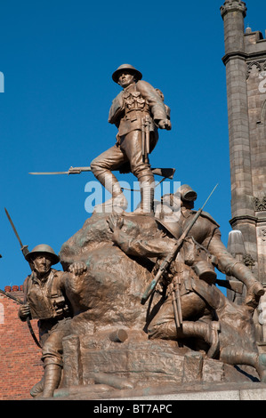 The War Memorial in front of St Mary's Church,Oldham Town Centre.By the sculptor Albert Toft,architect Thomas Taylor. - Stock Photo