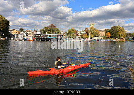 Kayaking at Hampton Sailing Club on the River Thames at Hampton, England UK. - Stock Photo
