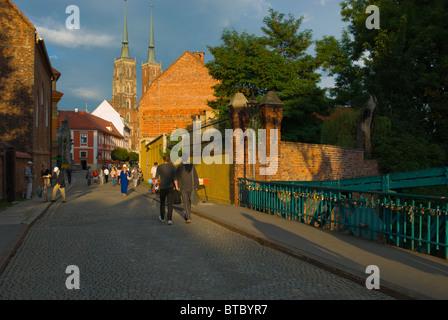 Most Tumski bridge to Ostrow Tumski (Cathedral Island) Wroclaw Silesia Poland Europe - Stock Photo