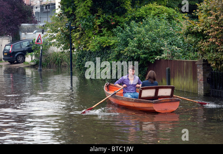 Flooded streets in Twickenham London at High tide on the River Thames. - Stock Photo