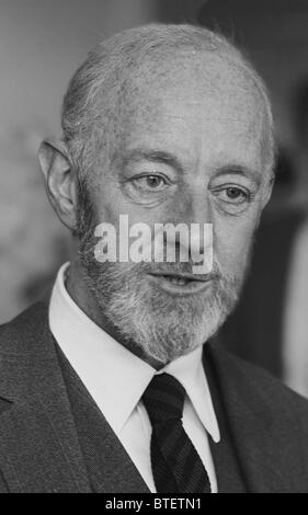 Sir Alec Guinness, CH, CBE (2 April 1914 – 5 August 2000) was an English actor. From the archives of Press Portrait - Stock Photo