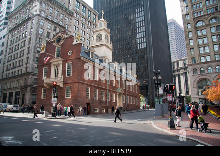 The Old State House, Boston, in amongst the skyscrapers - Stock Photo