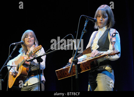 The Carrivick Sisters, 2010 BBC 2 Young Folk Award Finalists, play at the IGF festival at Kings Place, London - Stock Photo