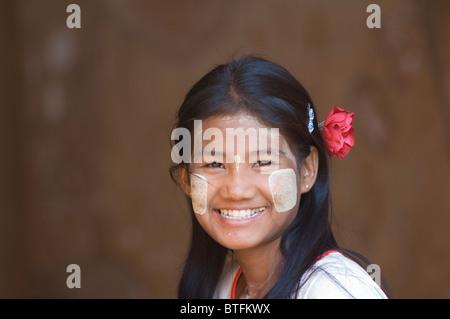 Portrait of a young Burmese woman, Bagan (Pagan), Myanmar (Burma) - Stock Photo