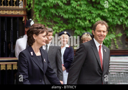 PRIME MINISTER TONY BLAIR AND WIFE, CHERIE BLAIR, ATTEND NHS SERVICE AT Westminster Abbey - Stock Photo