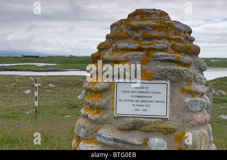 Memorial commemorating the Scottish Air Ambulance Service to the Island. North Uist, Hebrides. Scotland. SCO 6957 - Stock Photo