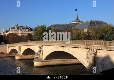 France, Paris, Pont des Invalides bridge, Grand Palais, Palais de la Découverte, Seine River, - Stock Photo