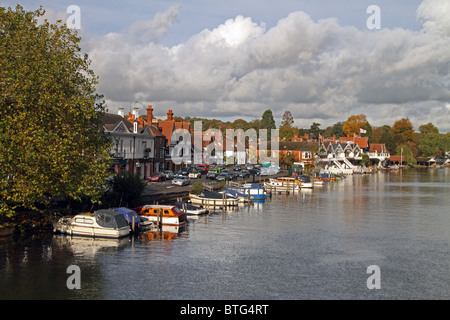 Henley-on-Thames, Oxfordshire, England - view from the bridge with boat houses, far right - Stock Photo