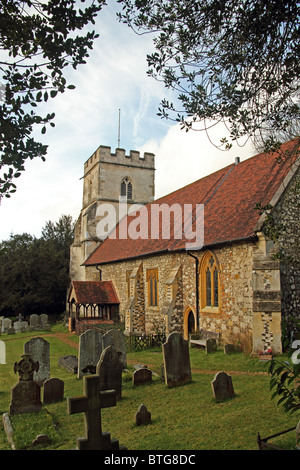 Medmenham, Buckinghamshire, England - St Peter's parish church dating from the 12th century - Stock Photo