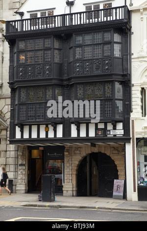 Entrance to Inner Temple, Fleet Street, London, England, United Kingdom - Stock Photo