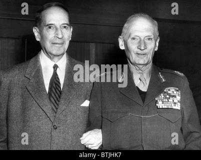 Former General Douglas MacArthur, Field Marshal Bernard Law Montgomery, 1st Viscount Montgomery of Alamein, meeting - Stock Photo