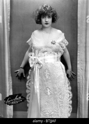 Francine Larrimore, (publicity shot for the play 'Nice People'), circa 1922 - Stock Photo