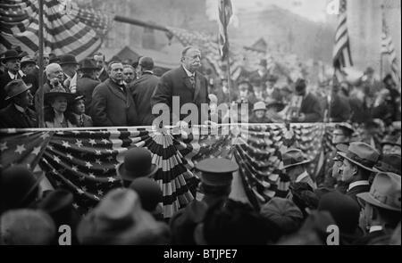 President William Taft (1857-1930) speaking on a flag draped podium in 1909. - Stock Photo