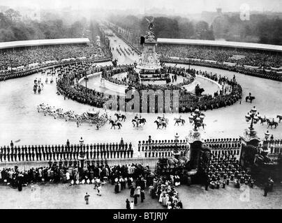 The view from Buckingham Palace of the Victoria Monument, as the Royal Coach leaves for Westminster Abbey, where - Stock Photo