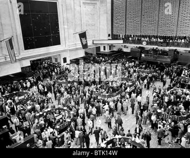 The New York Stock Exchange minutes before 3:30 closing, New York City, June 4, 1957. CSU Archives/Courtesy Everett - Stock Photo