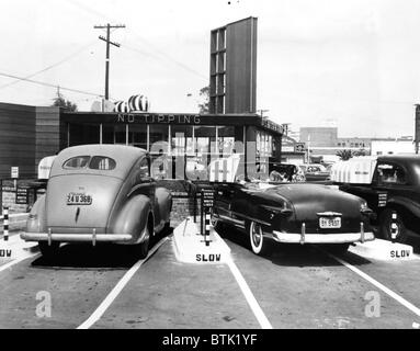 EV1917 - Drive-in restaurant 'The Track',  Los Angeles, CA, July 10, 1948 - Stock Photo