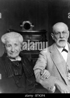 Sigmund Freud (1856-1939), and his mother, Amalia Freud (1835-1929), in 1925. - Stock Photo