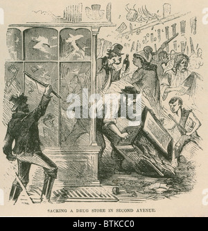 Mob looting of a drug store on Second Avenue during Draft Riots in New York City of July 13-16, 1863. The riots - Stock Photo