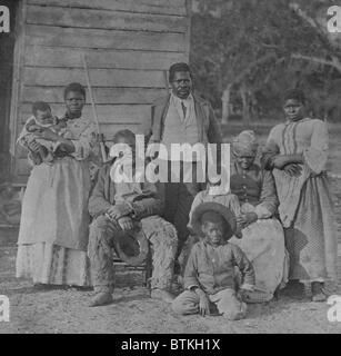 African American slave family representing five generations all born on the plantation of J. J. Smith, Beaufort, - Stock Photo