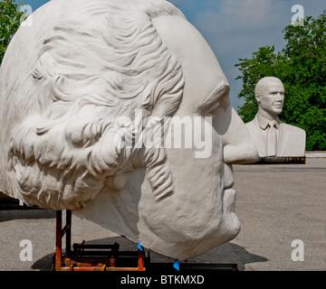 White concrete sculptures of George Washington, and Barack Obama, at David Adickes Sculpturworx Studio in Houston, Texas, USA