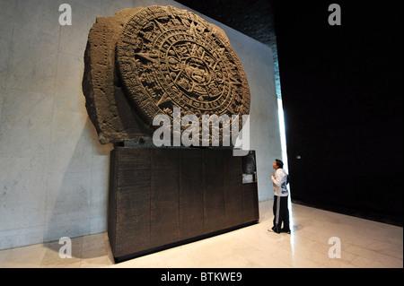 Aztec calendar stone Mexican sun stone, or Stone of the Sun (Spanish: Piedra del Sol), is a large monolithic sculpture - Stock Photo
