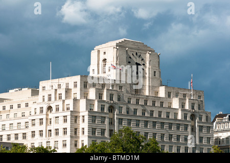 art deco shell mex building on the banks of the river thames london stock photo 32376849 alamy. Black Bedroom Furniture Sets. Home Design Ideas