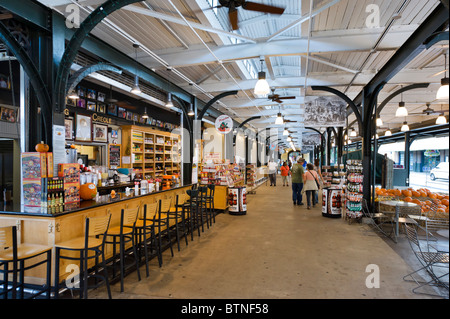 Refreshment stall in the Flea Market and Farmer's Market, French Market District, French Quarter, New Orleans, Lousiana, - Stock Photo