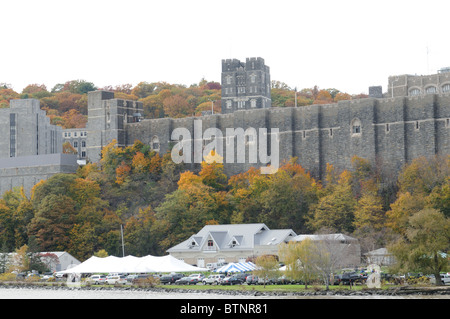 The United States Military Academy at West Point, founded in 1802, overlooks the Hudson River, 50 miles north of - Stock Photo